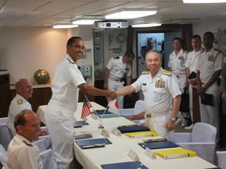 米太平洋艦隊司令官と海上幕僚長