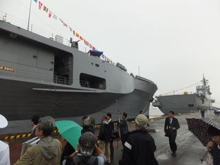 護衛艦「いせ」と米海軍指揮統制艦「ブルーリッジ」
